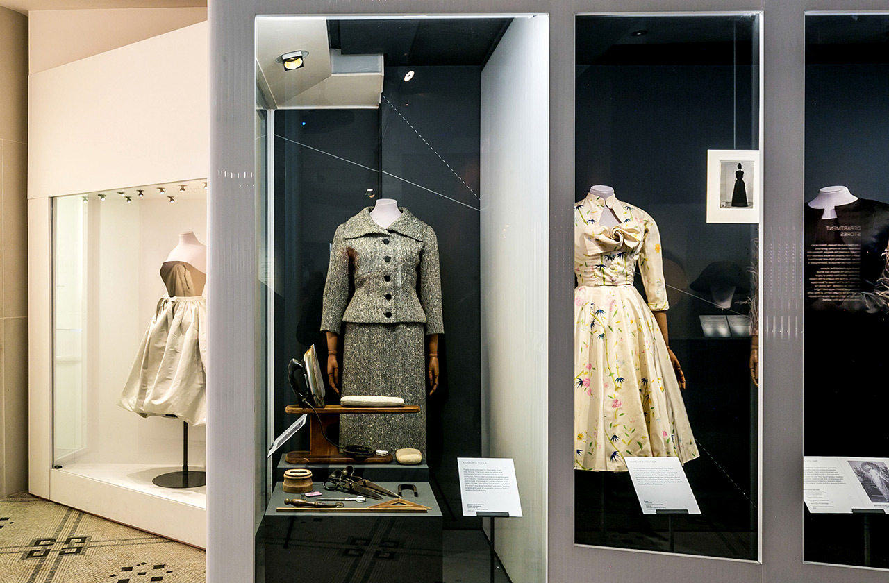 the design kollektiv - Balenciaga: Shaping Fashion, V&A, London